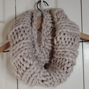 B&N Lilac Ash Chunky Cable Knit Infinity Scarf